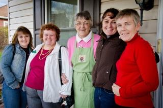 Aunt Joy, Aunt Jill, Auntie Kay, Aunt Janne, & Mom